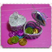 超大方的婚禮小物-愛心珠寶盒加彩色金幣巧克力