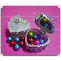 超大方的婚禮小物-愛心珠寶盒加金箔棒球巧克力