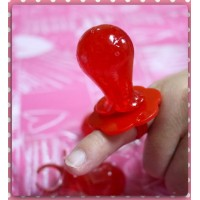 專門討喜的吉利奶嘴糖紅蔓越莓口味