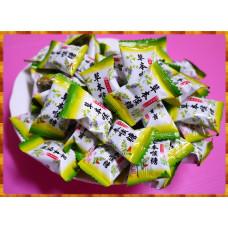 台灣製草本喉糖(使用真青草原料與蜂蜜喔)一台斤裝