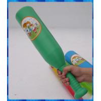 台灣製50公分長粗壯款的棒球棒含有2顆塑膠棒球