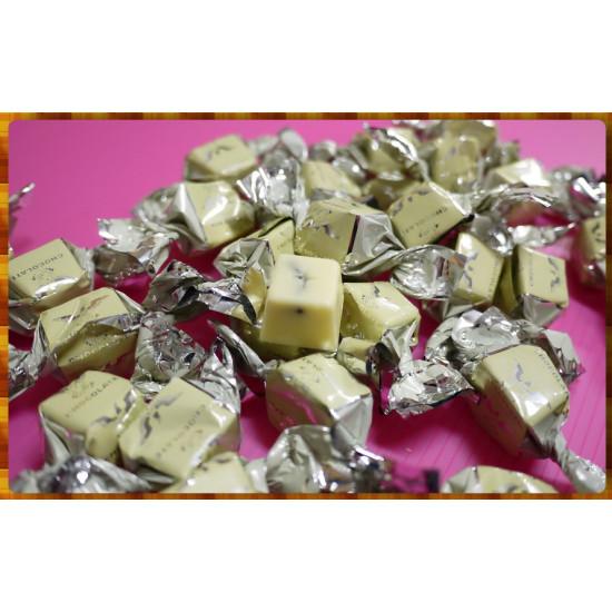 阿祖時代的超頂級方磚牛奶白巧克力葡萄乾-品質不輸頂級進口上帝牌巧克力單顆裝